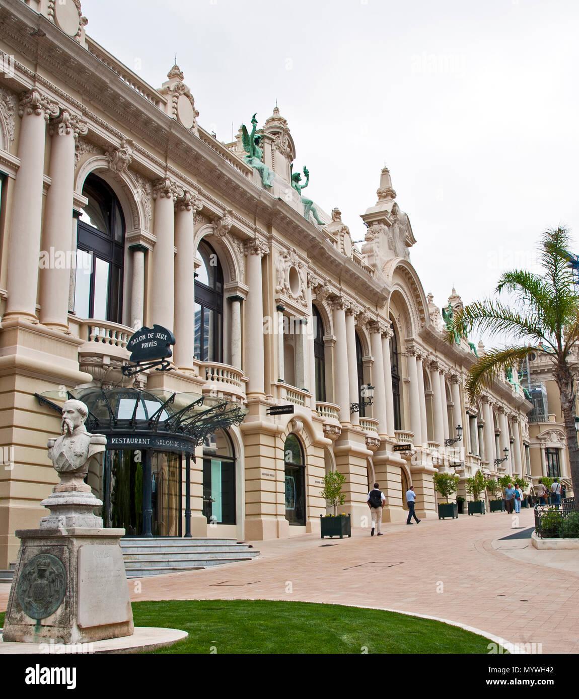 Monte Carlo, Monaco - June 2, 2016: Salon de jeux prive restaurant at the world famous Monte Carlo Casino - Stock Image