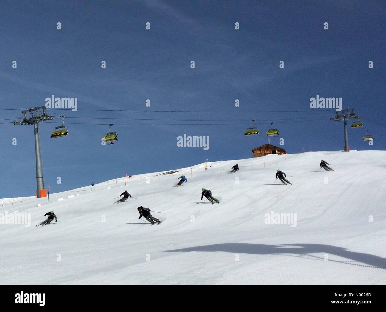 3823 Lauterbrunnen, Switzerland. 14th Apr, 2015. Training Ski demonstration Swiss Snow happenings Grindelwald April - Stock Image