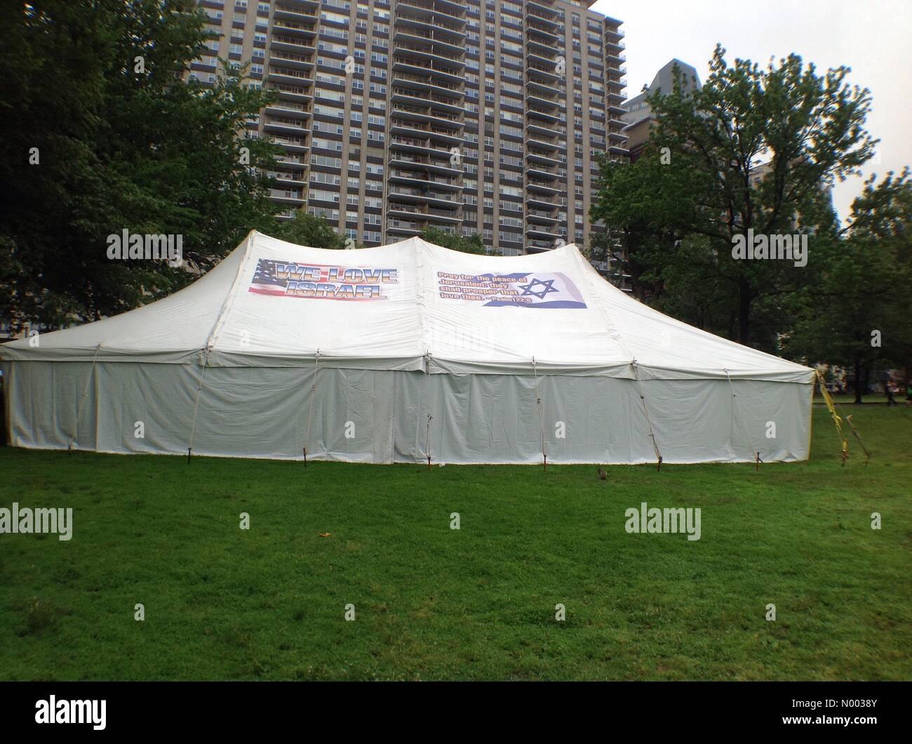 Boston Massachusetts USA. 16th June 2015. We love Israel tent signage Credit khoncepts/StockimoNews/Alamy Live News & Boston Massachusetts USA. 16th June 2015. We love Israel tent ...