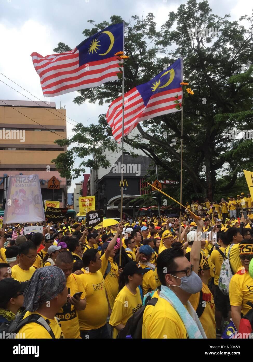 kuala lumpur, malaysia 29 august 2015 supporters of bersih 4 0kuala lumpur, malaysia 29 august 2015 supporters of bersih 4 0 rally for free and fair elections credit chung jin mac stockimonews alamy live news