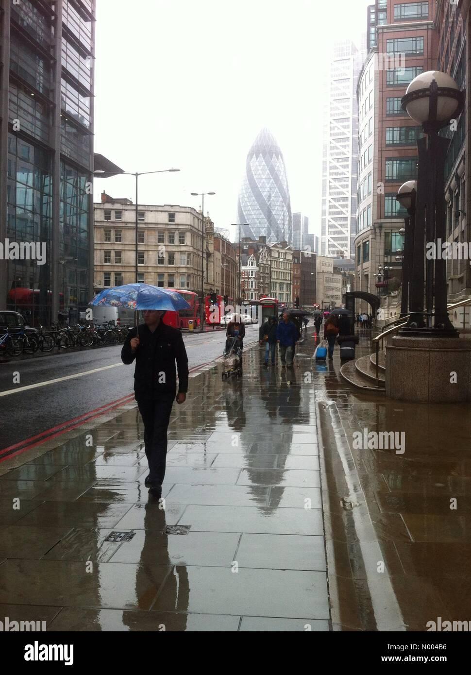 Uk Weather Another Rainy Day On Londons Bishopsgate  Credit Francesca Moore Stockimonews Alamy Live News