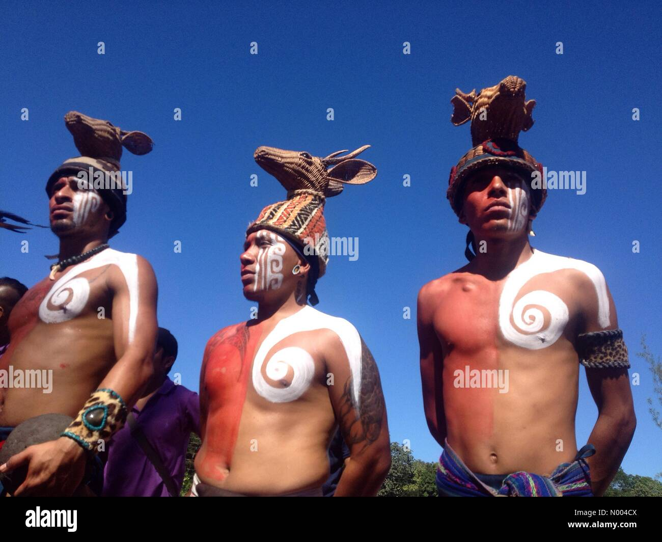 Yucatán, Mexico. 19th Sep, 2015. Mayan players from Playa del Carmen at the first ¨Pok Ta Pok¨ ritual Mayan ball Stock Photo