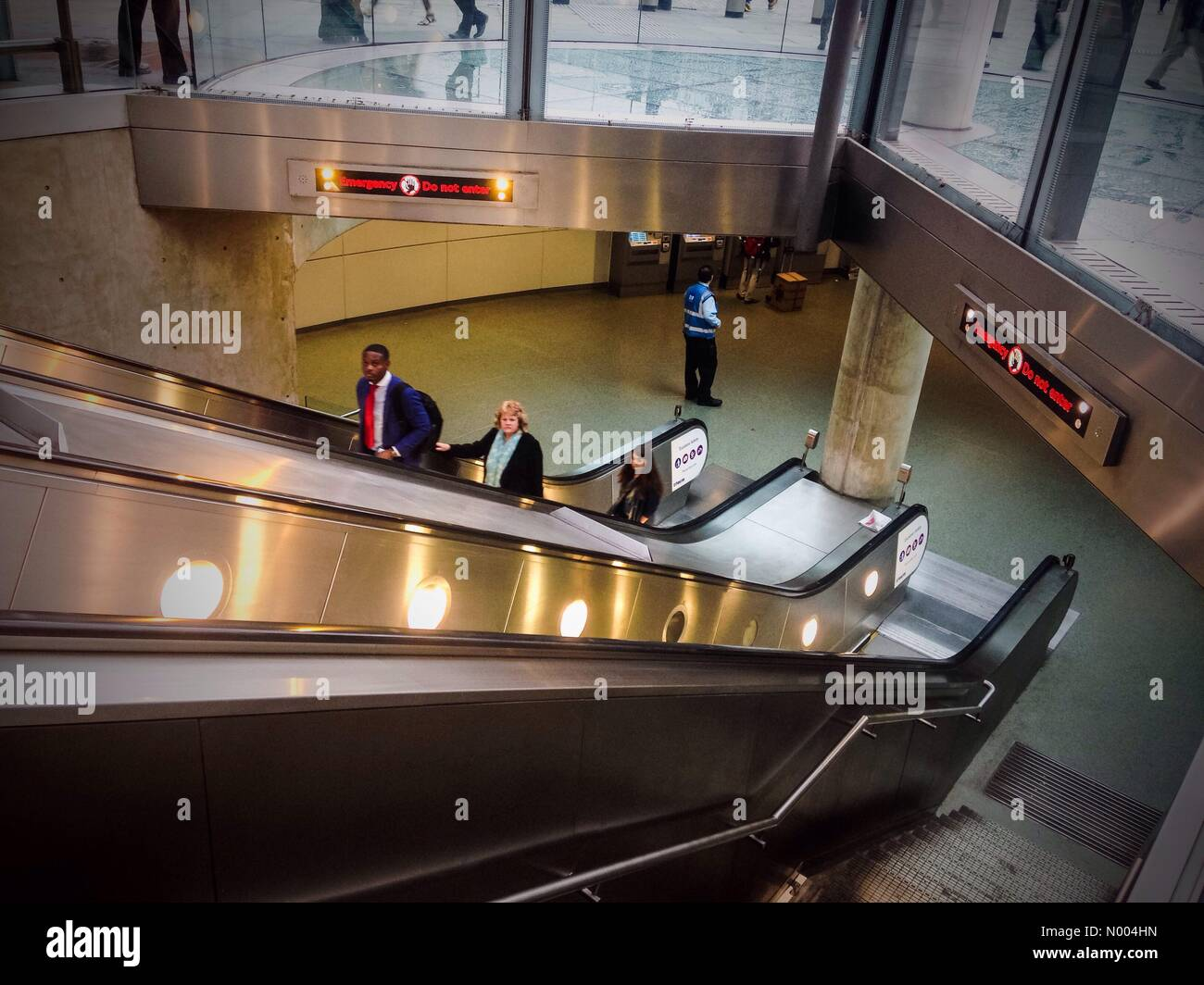 Torrens St, London, UK. 07th Oct, 2015. Kings cross underground station is evacuated just before 9am on Wednesday - Stock Image