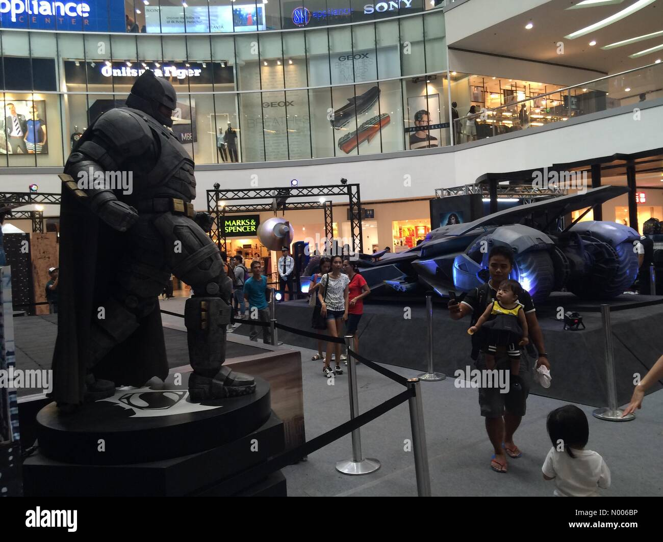 The Block, Bago Bantay, Quezon City, Metro Manila, Philippines. 23rd Mar, 2016. A life size Batmobile was displayed - Stock Image
