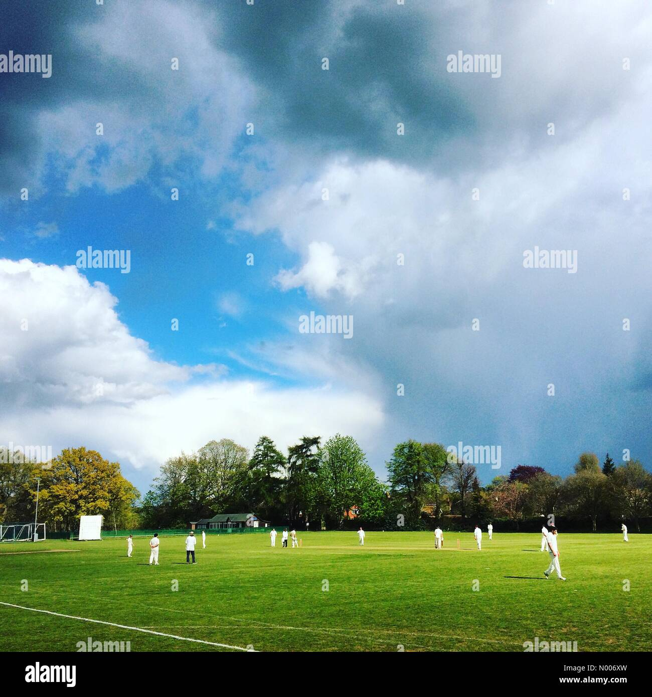 Busbridge Ln, Godalming, Surrey, UK. 30th Apr, 2016. UK Weather 30th April 2016: A cumulonimbus cloud looming over - Stock Image
