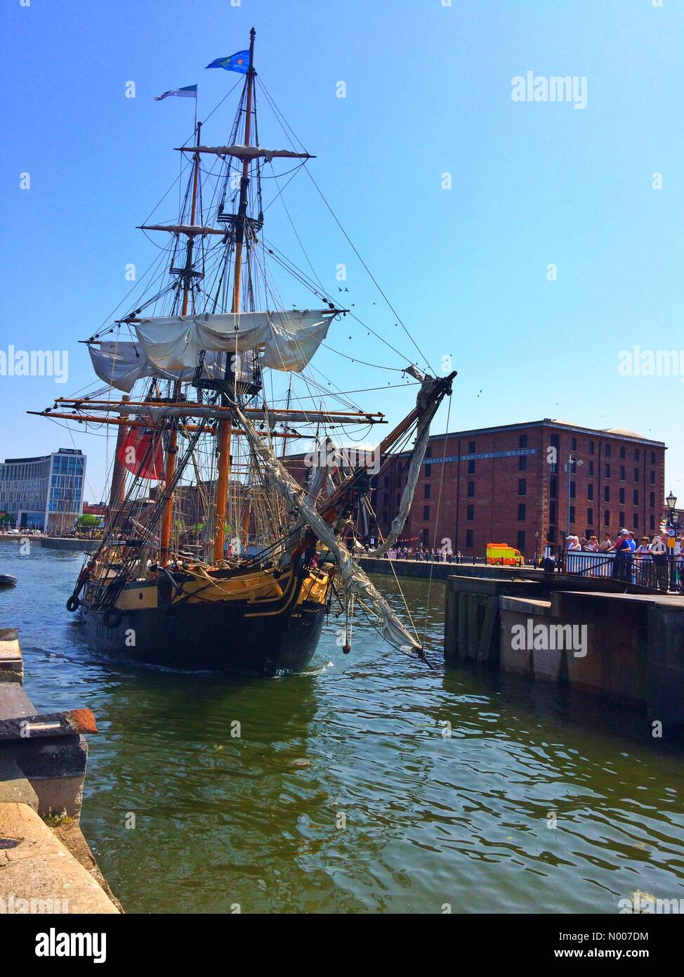 Liverpool, UK. 06th June, 2016. UK Weather, Sunshine in Liverpool, England UK. A tall ship leaves Liverpool's - Stock Image