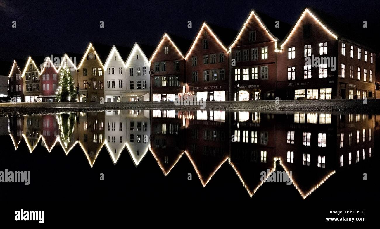 Bryggen, Bergen, Norway. 30th Nov, 2016. Bryggen, Bergen in Christmas season Credit:  Arthur Gebuys/StockimoNews/Alamy Stock Photo