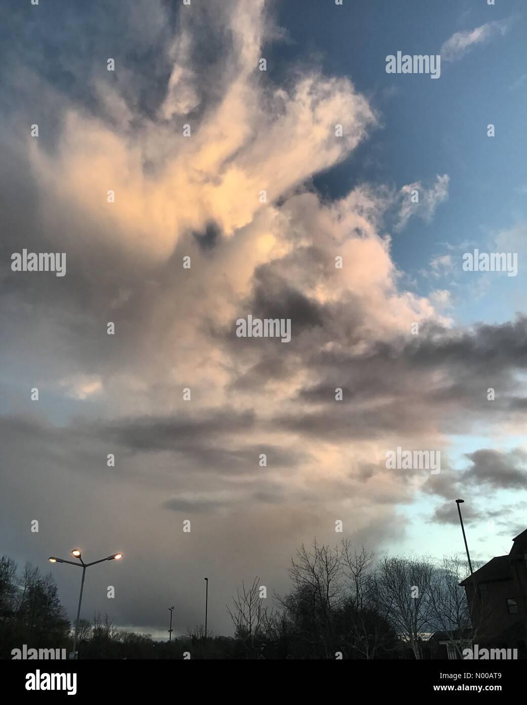 East St, Farnham, UK. 28th Jan, 2017. UK Weather: Stormy over Farnham. Dogflud Way, Farnham. 28th Jan 2017. Low - Stock Image