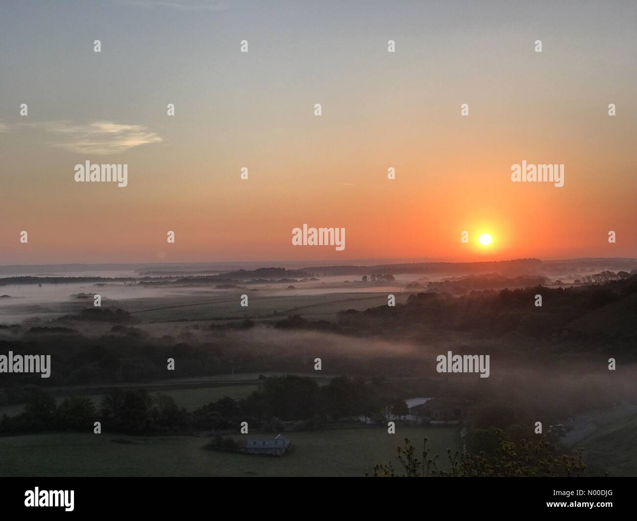 Wareham, UK. 10th May, 2017. UK Weather: Sunrise over Corfe Castle. Wareham, Dorset. 10th May 2017. High pressure Stock Photo