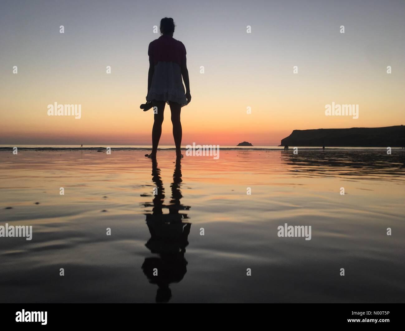 Wadebridge, UK. 07th July, 2018. UK Weather: Amazing sunset at Polzeath, Cornwall Credit: nidpor/StockimoNews/Alamy Live News - Stock Image