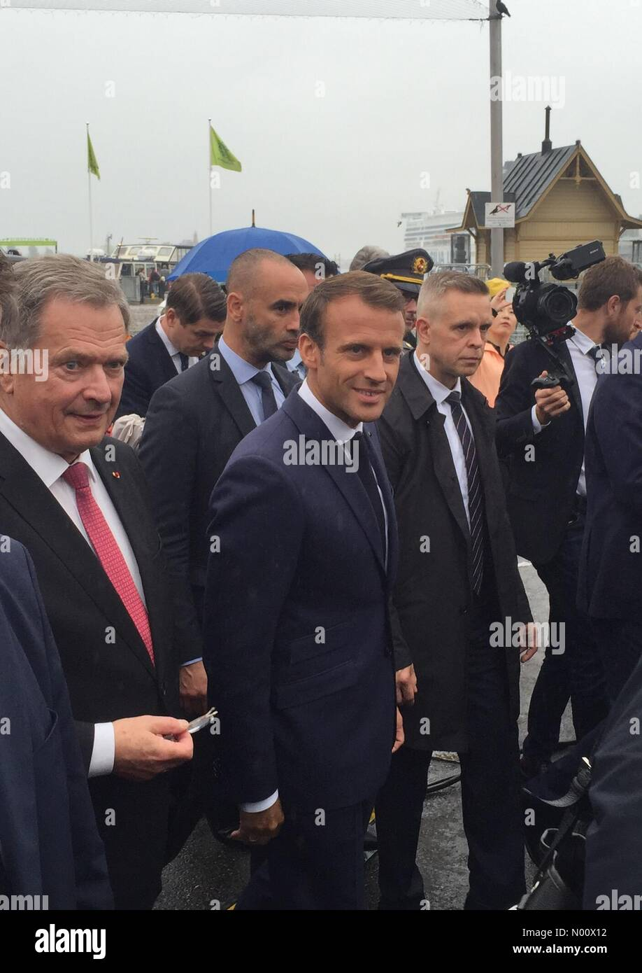 Kauppatori, Helsinki, Finland. 30th August 2018. French President Emmanuel Macron and Finnish President Sauli Niinistö had a walk at market place after discussing military partnership issues. Credit: Heini Kettunen/StockimoNews/Alamy Live News - Stock Image