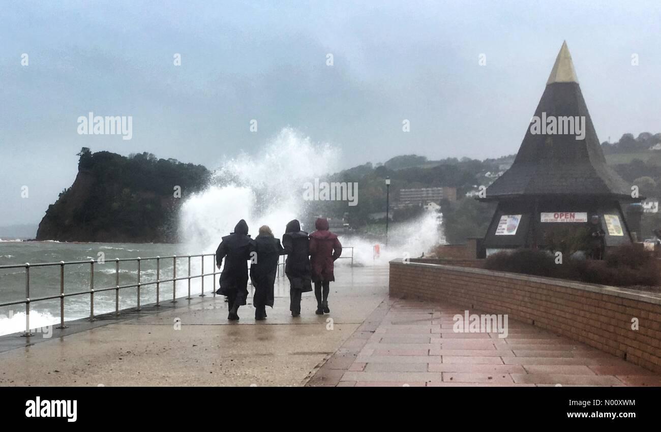 Teignmouth, Devon. 12th Oct 2018. UK Weather: Storm Callum. Huge waves at Teignmouth Credit: nidpor/StockimoNews/Alamy Live News - Stock Image