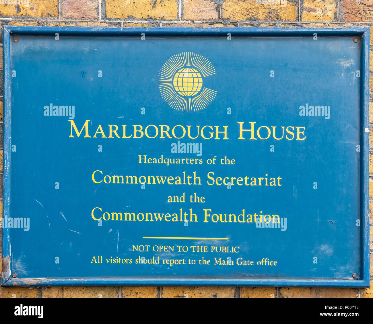 Sign outside of Marlborough House, Headquarters of the Commonwealth Secretariat and the Commonwealth Foundation. Stock Photo