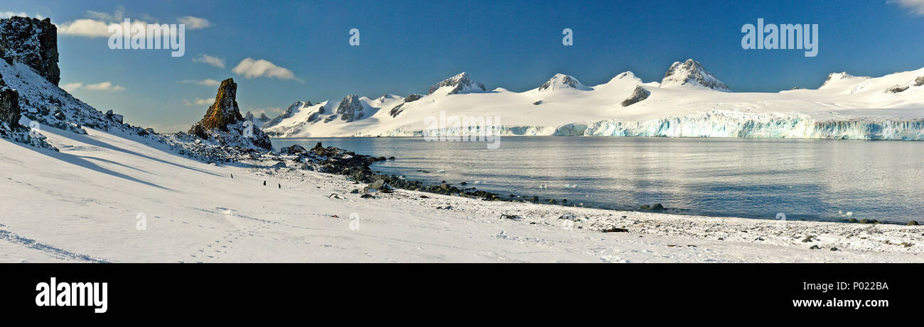 Snow covered mountains, rough landscape at Orkney Islands, Drake street, Antarctic peninsula, Antarctica - Stock Image