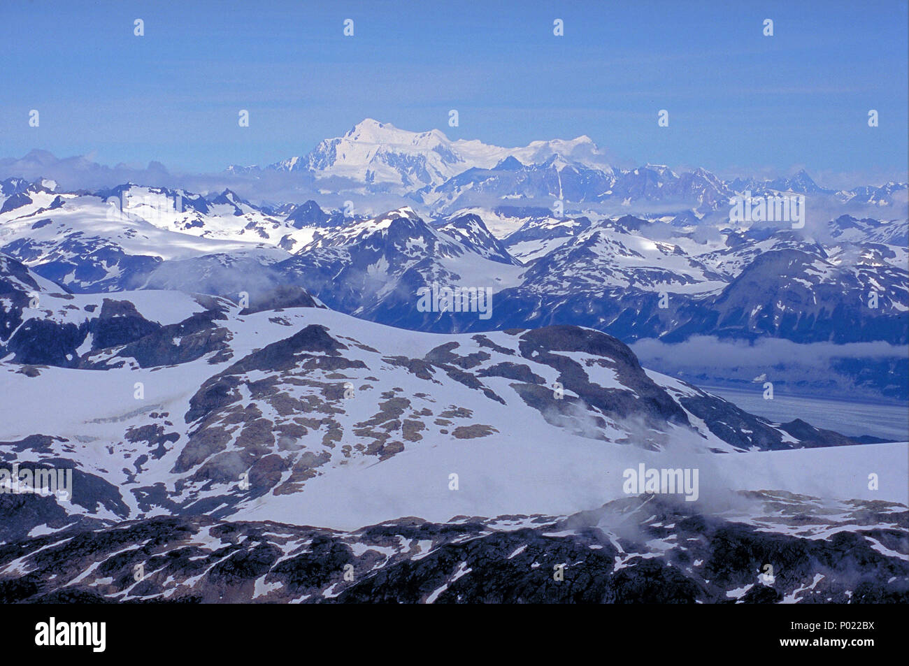 Yukon, verschneite Berge, grandiose Landschaften, Yukon, Kanada | Great landscapes, snow covered mountains, Alaska range, Yukon, Canada - Stock Image