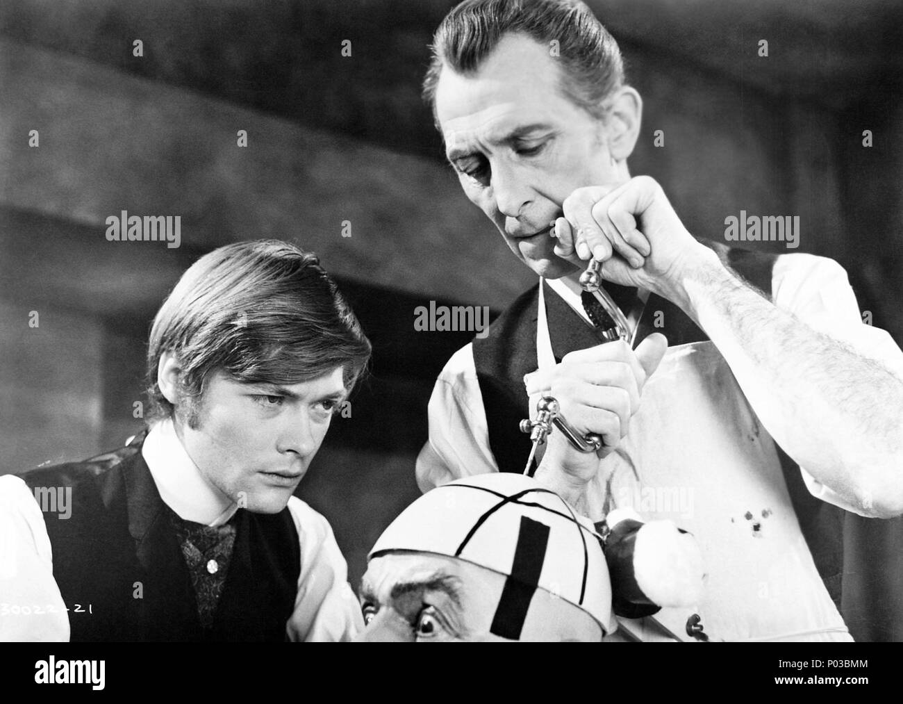 Original Film Title: FRANKENSTEIN MUST BE DESTROYED.  English Title: FRANKENSTEIN MUST BE DESTROYED.  Film Director: TERENCE FISHER.  Year: 1969.  Stars: PETER CUSHING. Credit: HAMMER/WARNER BROTHERS / Album Stock Photo