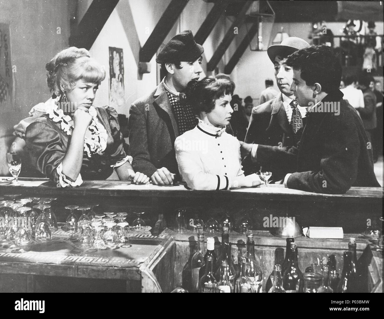 English Title: FRENCH CANCAN. Film Director: JEAN RENOIR. Year: 1954.  Stars: FRANCOISE ARNOUL. Credit: FRANCO LONDON FILMS / Album