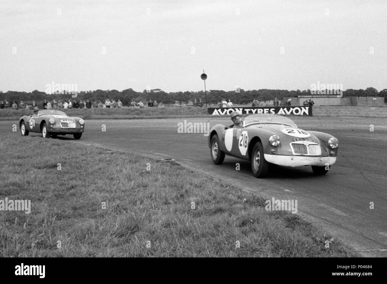 MGA Twin Cam, D.Dixon (Octagon Stable A team) 6hr relay race Silverstone 15.8.1959 - Stock Image
