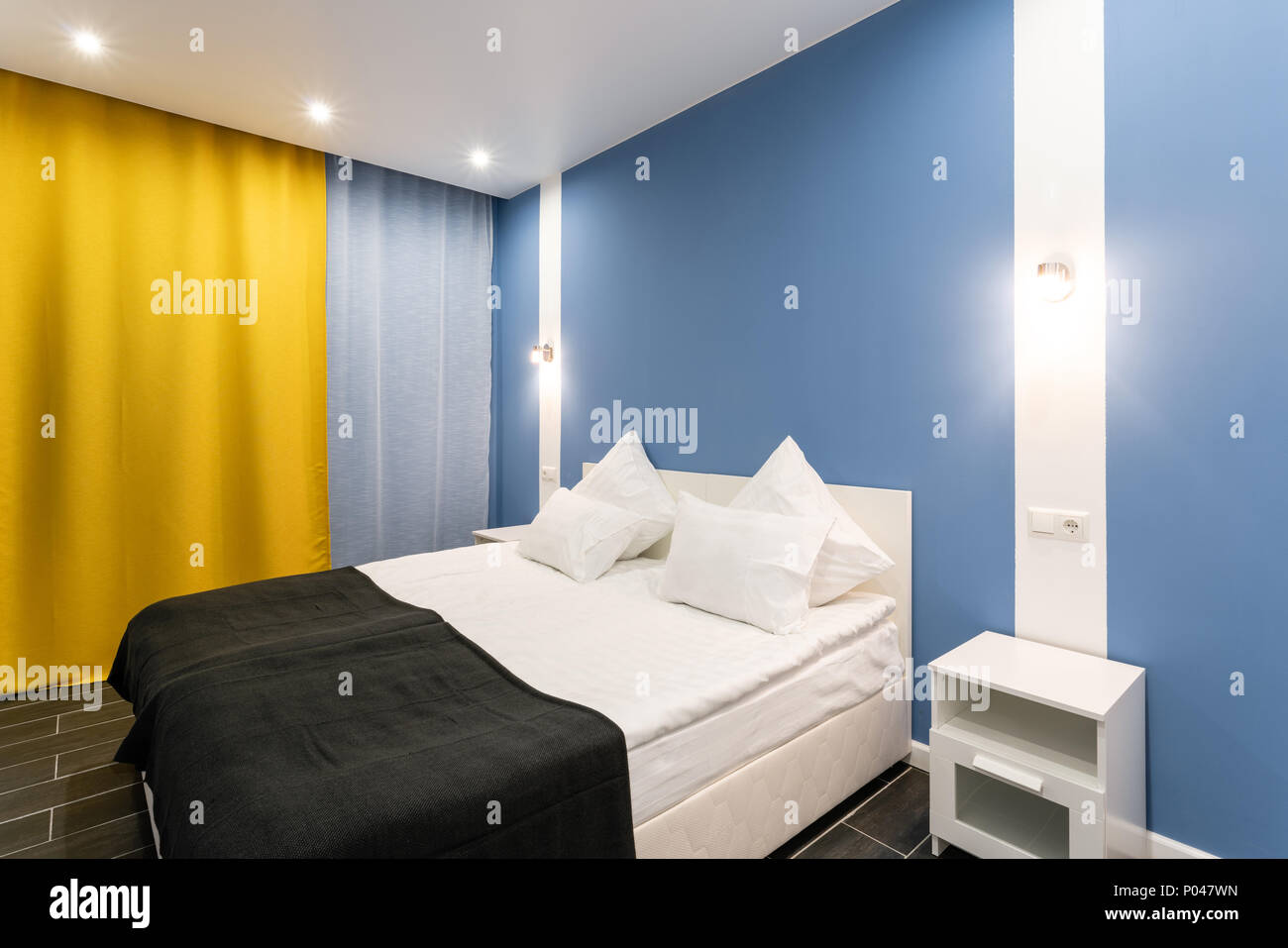 Hotel standart room. modern bedroom with white pillows. simple and ...