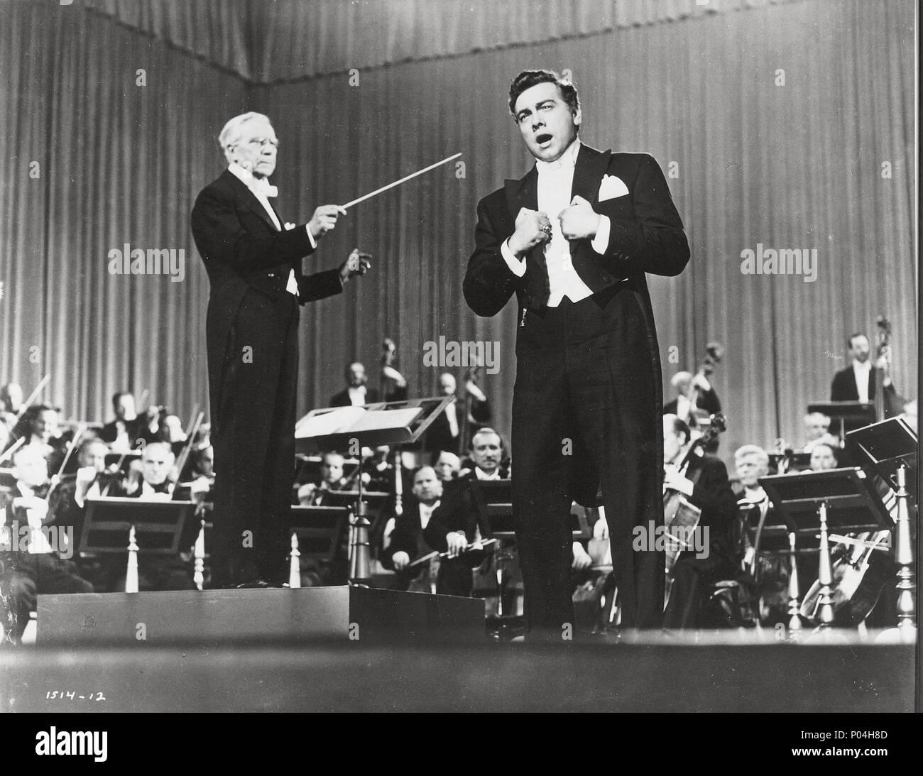 Original Film Title: THE GREAT CARUSO.  English Title: THE GREAT CARUSO.  Film Director: RICHARD THORPE.  Year: 1951.  Stars: MARIO LANZA. Credit: M.G.M / Album Stock Photo