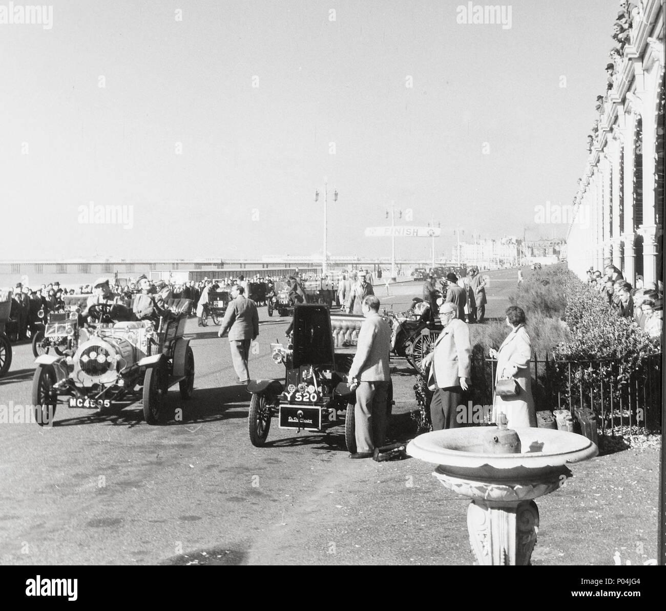 Original Film Title: GENEVIÈVE.  English Title: GENEVIÈVE.  Film Director: HENRY CORNELIUS.  Year: 1953. Credit: UNIVERSAL PICTURES / Album Stock Photo