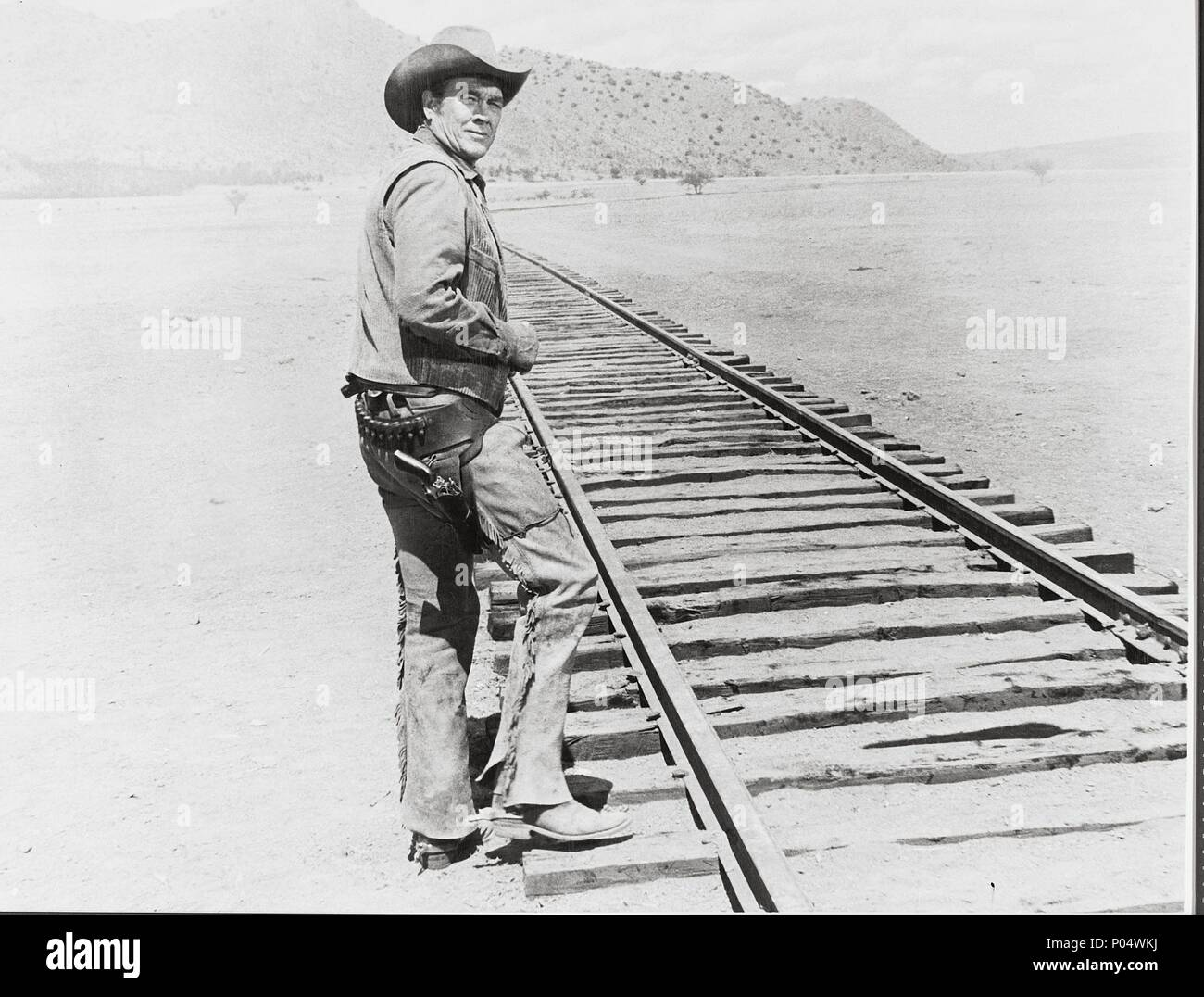 Original Film Title: THE TRAIN ROBBERS.  English Title: THE TRAIN ROBBERS.  Film Director: BURT KENNEDY.  Year: 1973.  Stars: BEN JOHNSON. Credit: WARNER BROTHERS / Album - Stock Image