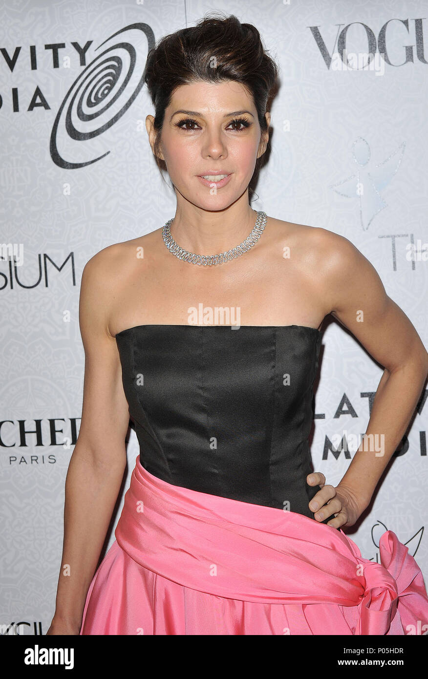 Marisa Tomei _30  - The Art of Elysium Gala at the Beverly Hilton In Los Angeles.Marisa Tomei _30 Red Carpet Event, Vertical, USA, Film Industry, Celebrities,  Photography, Bestof, Arts Culture and Entertainment, Topix Celebrities fashion /  Vertical, Best of, Event in Hollywood Life - California,  Red Carpet and backstage, USA, Film Industry, Celebrities,  movie celebrities, TV celebrities, Music celebrities, Photography, Bestof, Arts Culture and Entertainment,  Topix, vertical, one person,, from the year , 2010, inquiry tsuni@Gamma-USA.com - Three Quarters - Stock Image