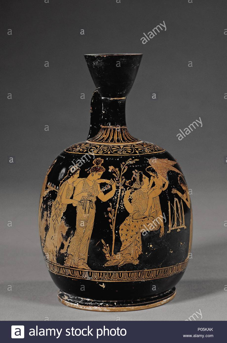 Red-figured squat lekythos, Athens, Greece, c420-c400 BC. The ...
