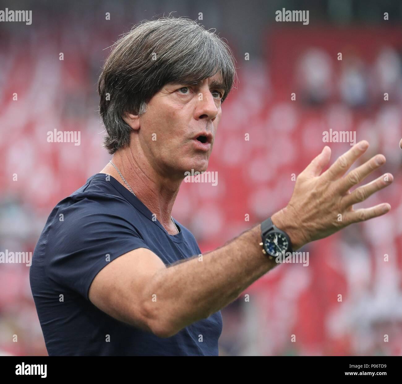 firo Football: Football: 08.06.2018 National team Test match: Germany - Saudi Arabia Bundescoach Joachim Low, Portrait, gesture   usage worldwide - Stock Image