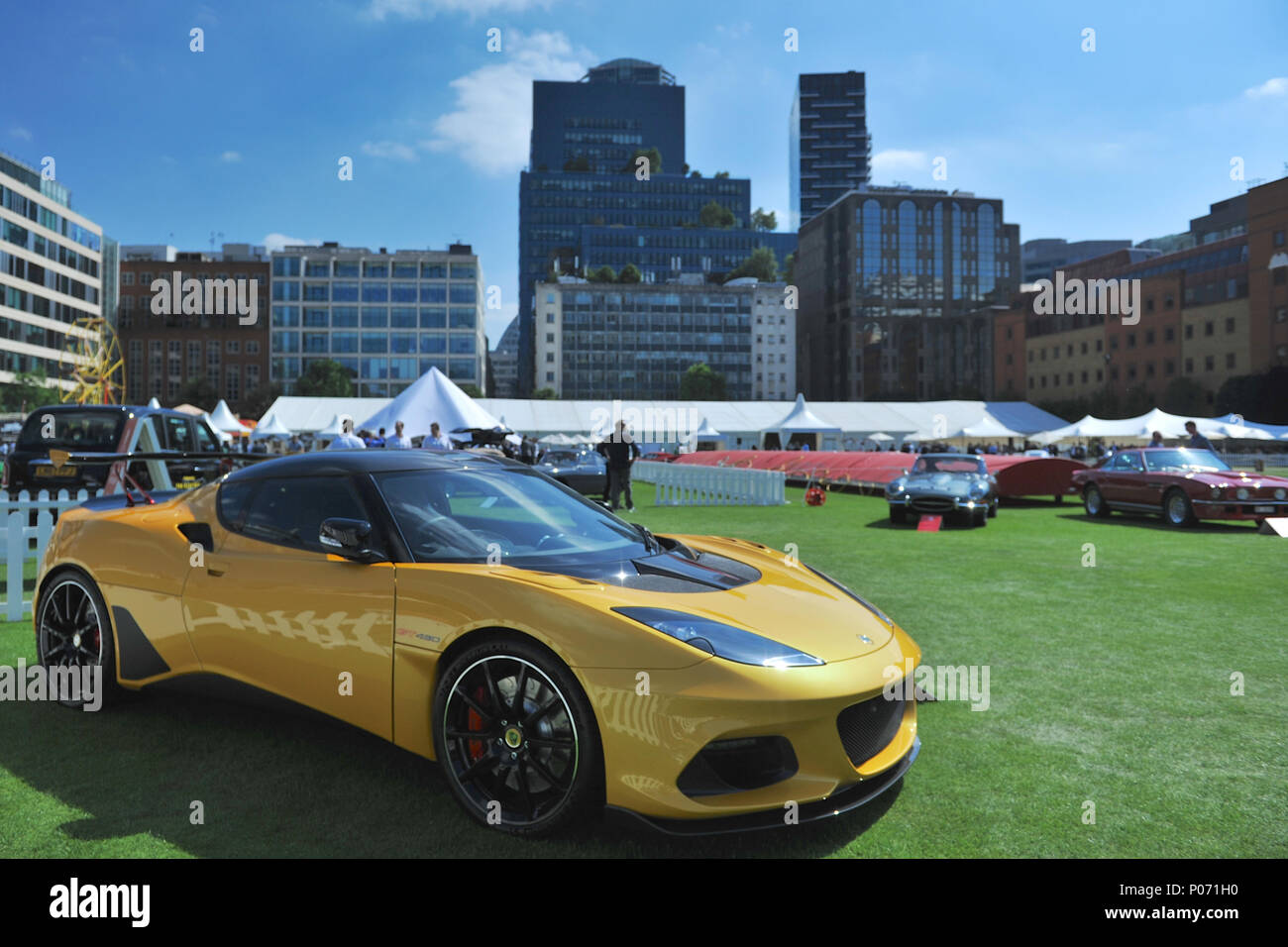 https://c8.alamy.com/comp/P071H0/london-uk-8-june-2018-a-lotus-evora-gt430-on-display-at-the-annual-city-concours-motoring-garden-party-in-the-gardens-of-the-honourable-artillery-companys-headquarters-city-of-london-united-kingdom-credit-michael-prestonalamy-live-news-P071H0.jpg