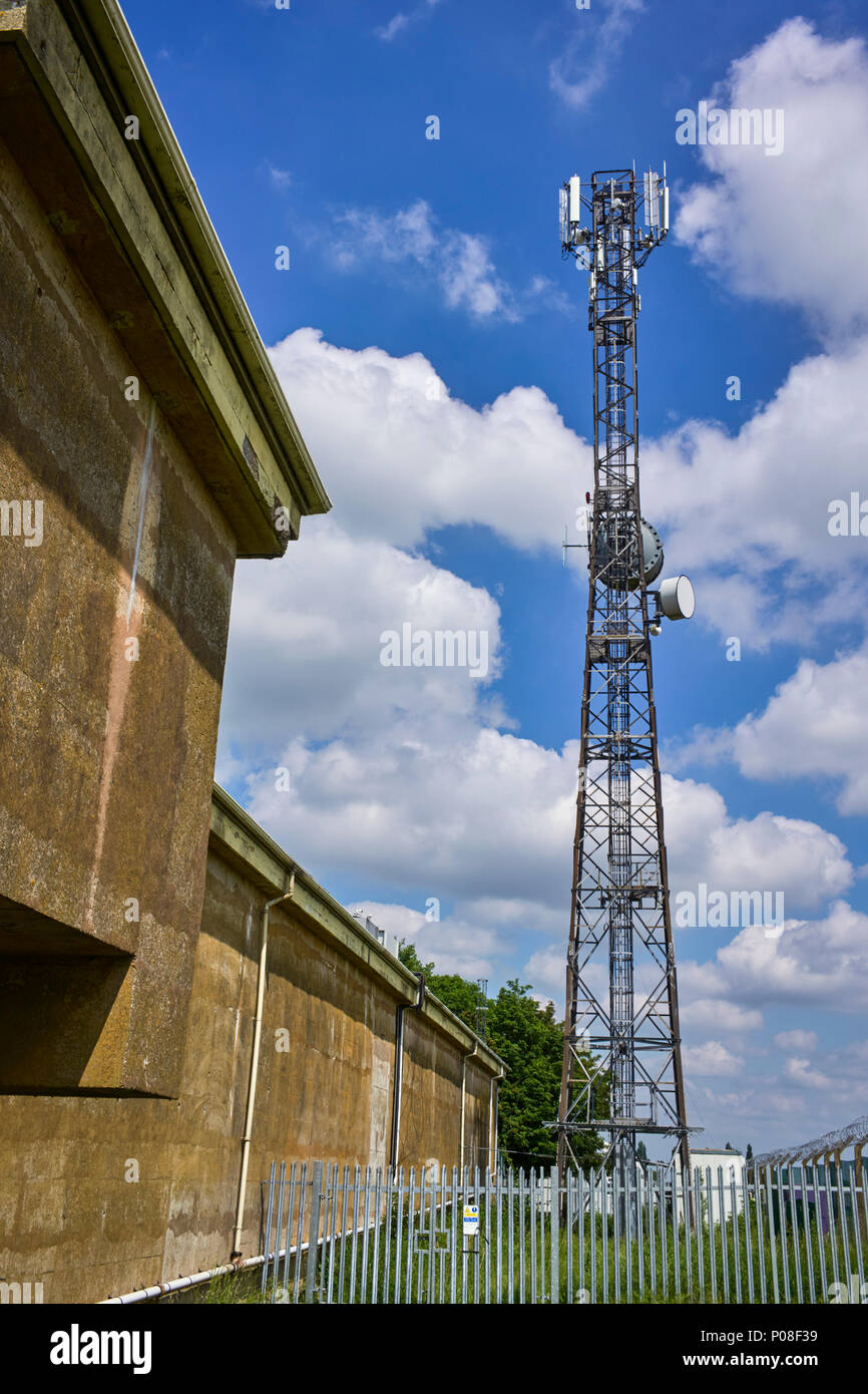 Communications mast at the Hack Green secret nuclear bunker in Cheshire - Stock Image
