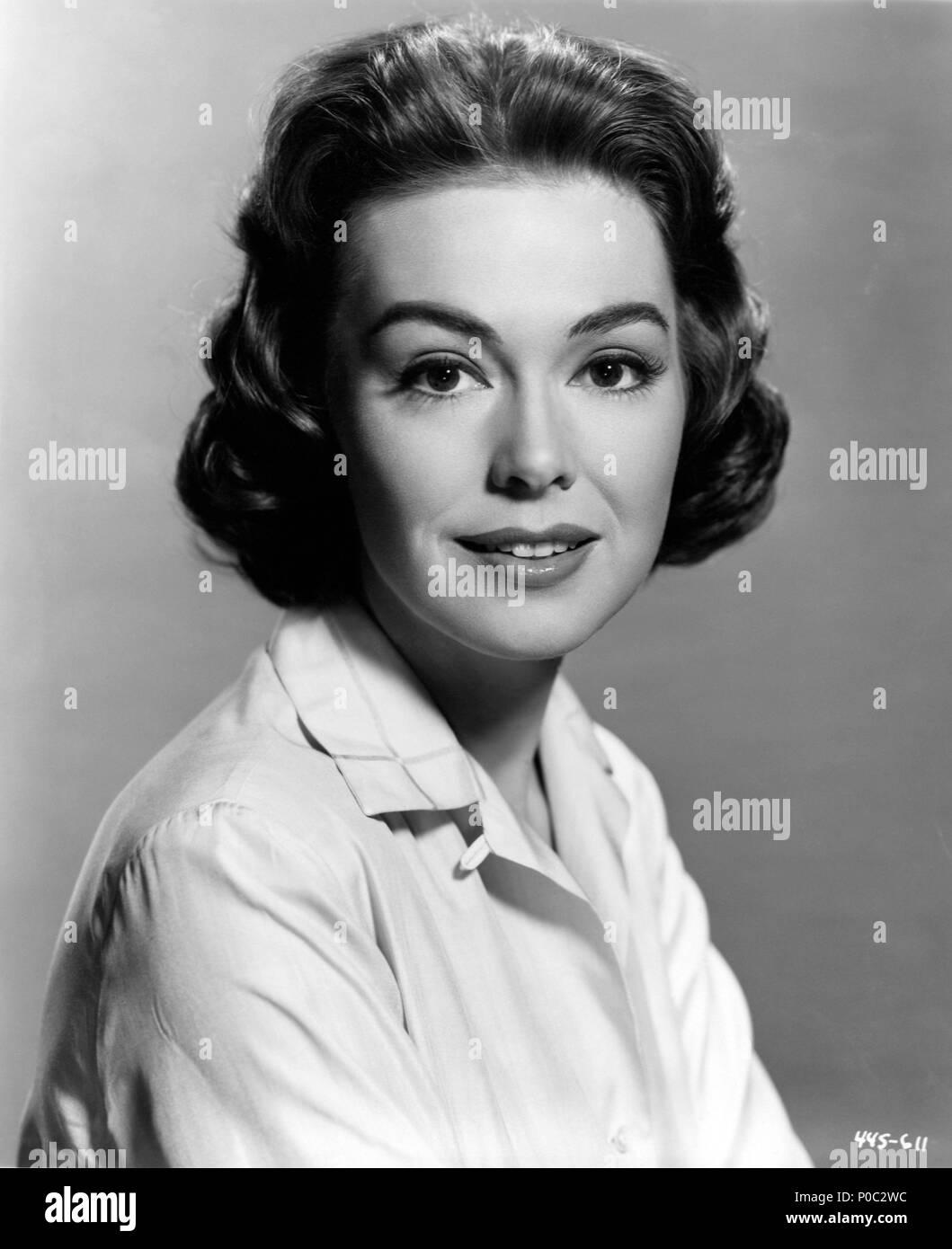 Loretta Ables Sayre,Victoria Tennant Porno image Charlotte Gregg,James Bolam (born 1935)