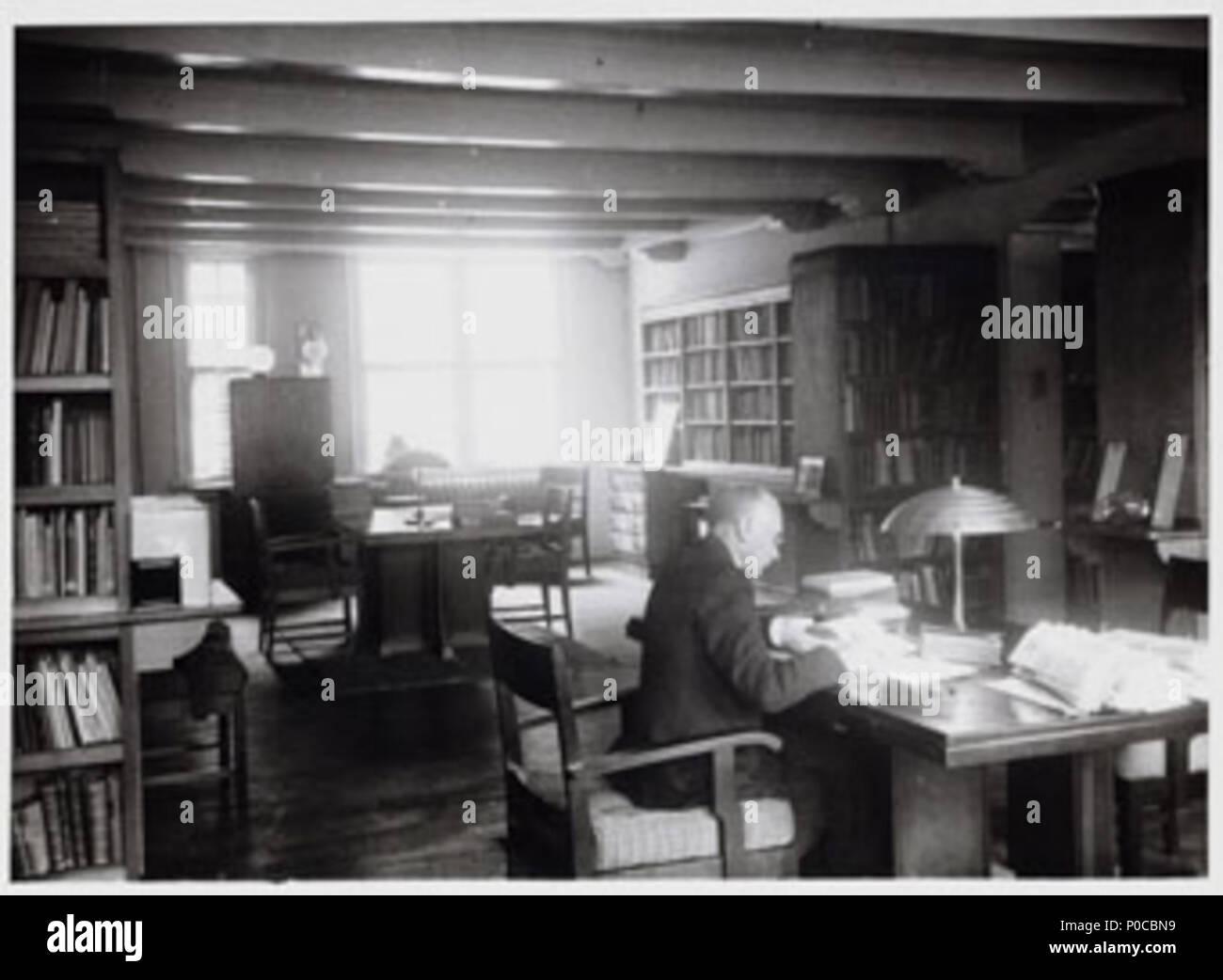 https://c8.alamy.com/comp/P0CBN9/english-interior-neha-library-amsterdam-the-netherlands-1934-nederlands-interieur-economisch-historische-bibliotheek-ca-1934-foto-collectie-stadsarchief-amsterdam-3-march-2014-101628-unknown-photographer-74-neha1934-P0CBN9.jpg