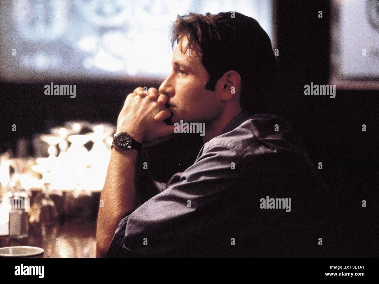 Original Film Title: X-FILES, THE.  English Title: X-FILES, THE.  Film Director: ROB BOWMAN.  Year: 1998.  Stars: DAVID DUCHOVNY. Credit: 20TH CENTURY FOX / MORTON, MERRICK / Album - Stock Image