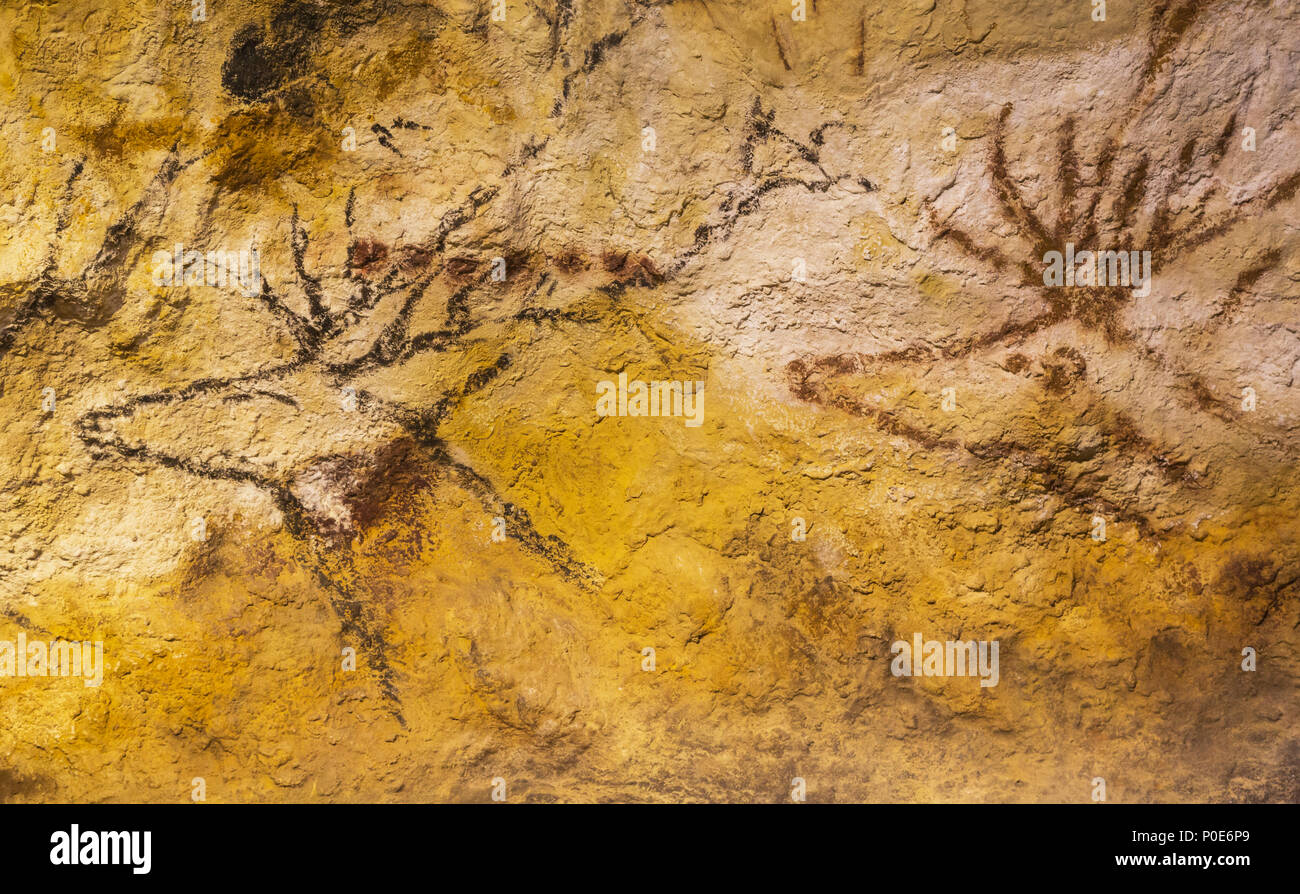 Bordeaux, Gironde Department, Aquitaine, France.  Exact facsimile of a painting from the Lascaux cave exhibited in the Musée d'Aquitaine.  The origina - Stock Image