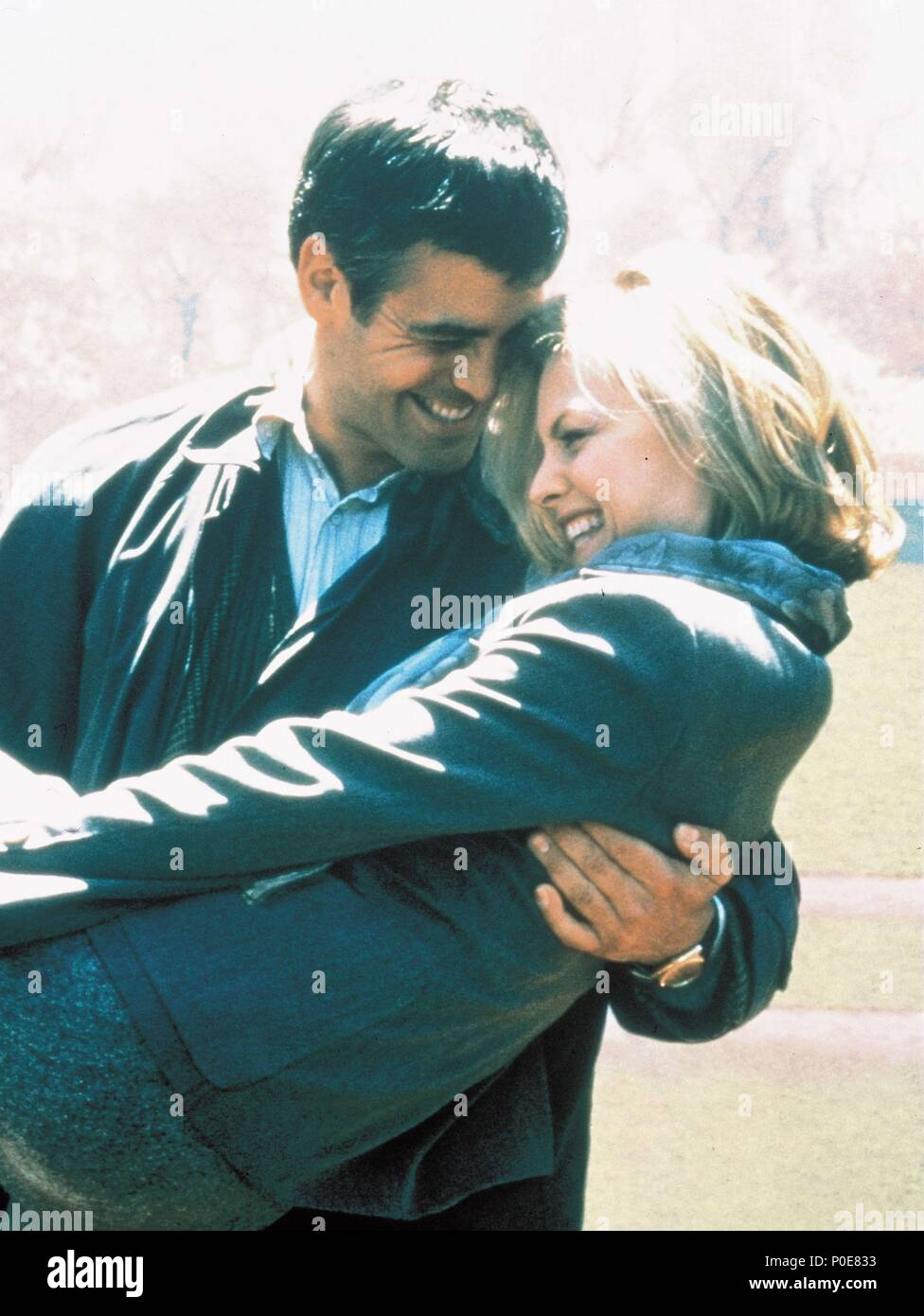 Original Film Title: ONE FINE DAY.  English Title: ONE FINE DAY.  Film Director: MICHAEL HOFFMAN.  Year: 1996.  Stars: GEORGE CLOONEY; MICHELLE PFEIFFER. Credit: 20TH CENTURY FOX / Album Stock Photo