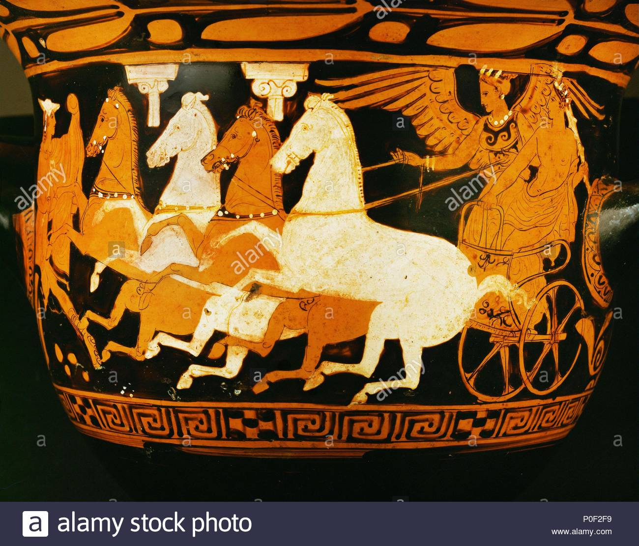 Heracles ascending to Olympos in a horse-drawn chariot. Red-figured bell crater, Attic (400 BCE). Height 38.1 cm-Diameter 39.1 cm Inv. IV 933. Location: Kunsthistorisches Museum, Antikensammlung, Vienna, Austria. - Stock Image