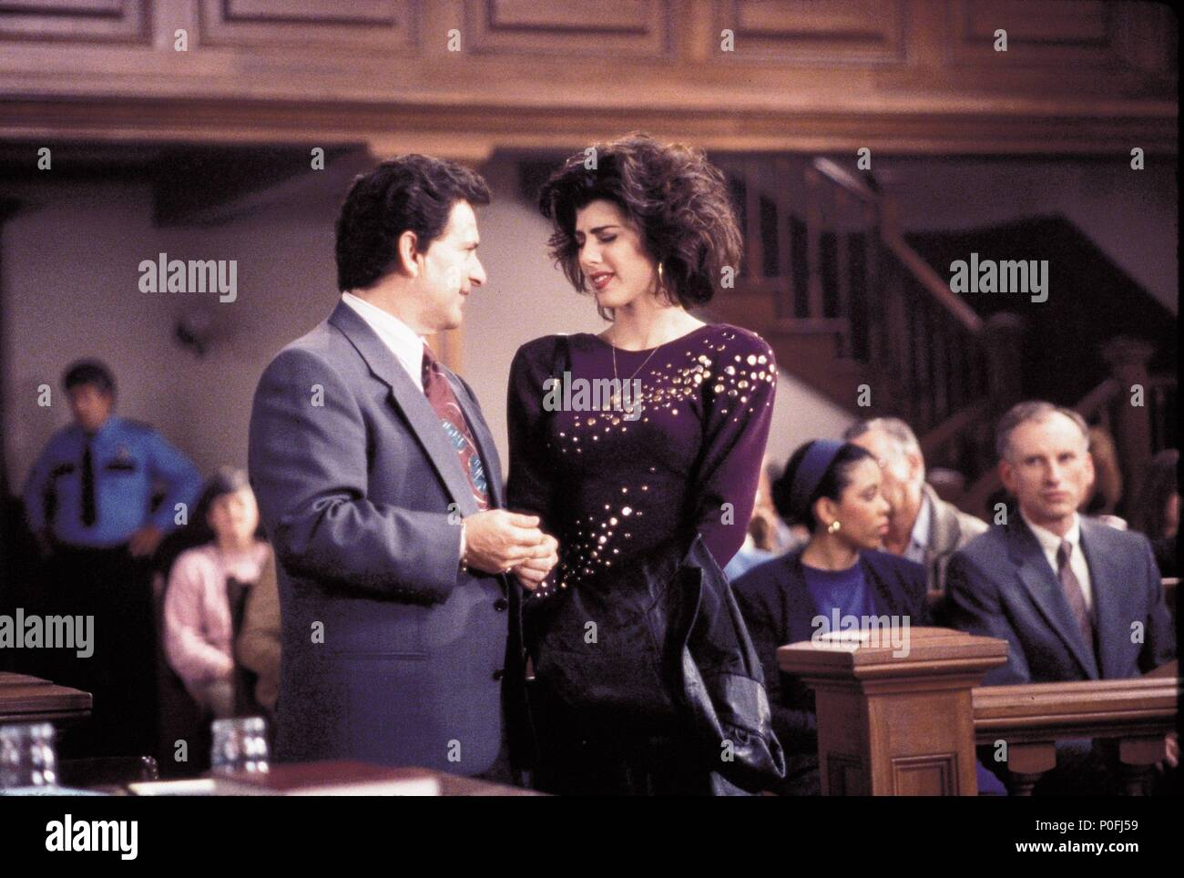 Original Film Title: MY COUSIN VINNY.  English Title: MY COUSIN VINNY.  Film Director: JONATHAN LYNN.  Year: 1992.  Stars: MARISA TOMEI; JOE PESCI. Credit: 20TH CENTURY FOX / GLASS, BEN / Album - Stock Image