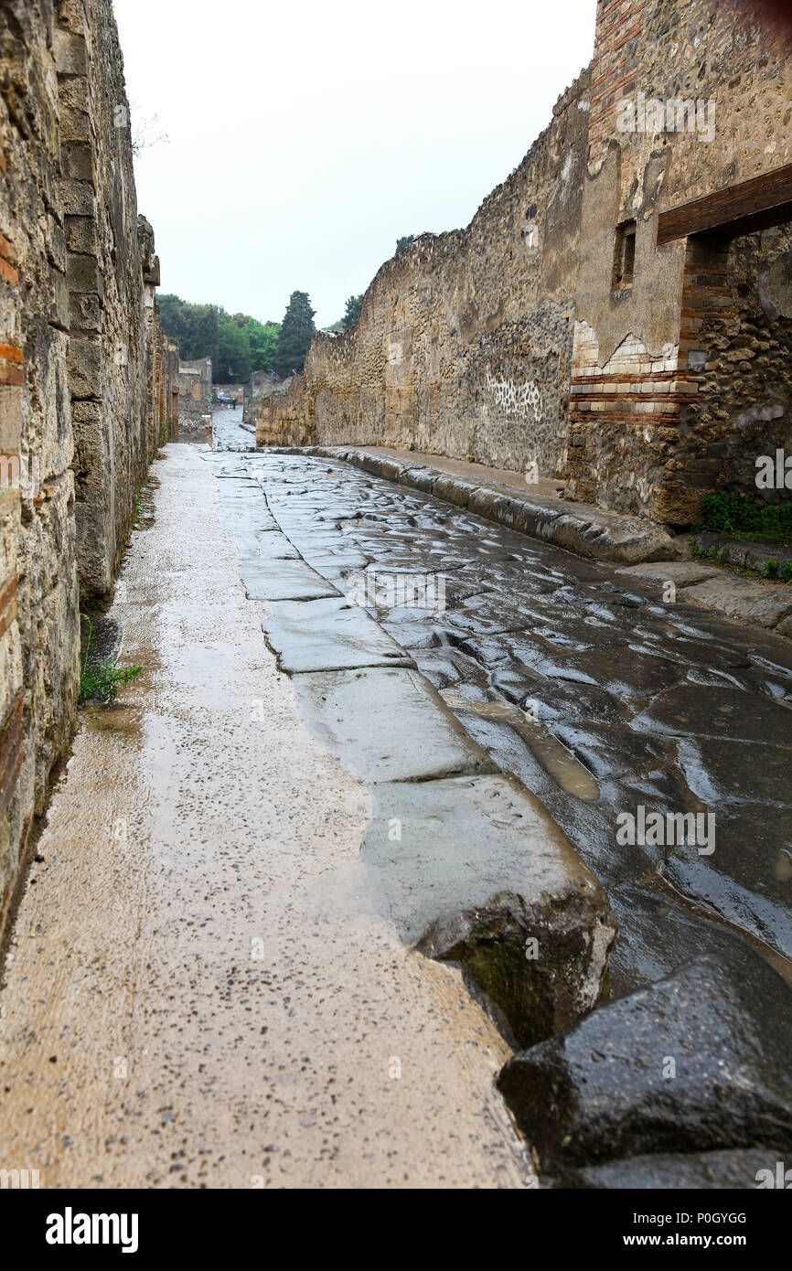 Via delle Terme, historic town of Pompeii in the Gulf of Naples, Campania, Italy, Europe - Stock Image