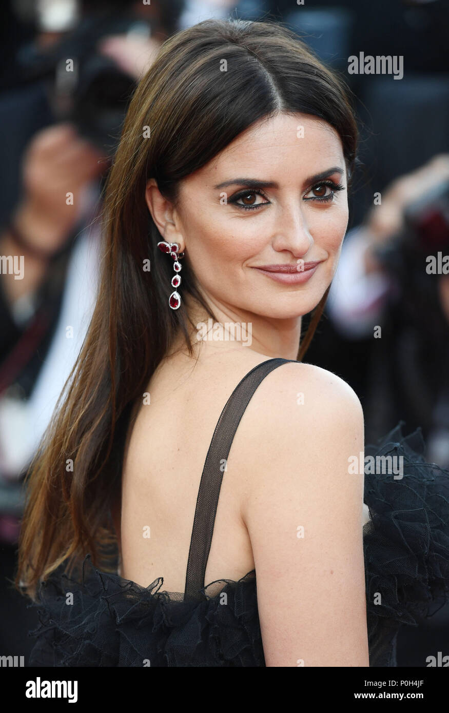 71st annual Cannes Film Festival - 'Everybody Knows' - Premiere and Opening Ceremony  Featuring: Penelope Cruz Where: Cannes, France When: 08 May 2018 Credit: WENN.com Stock Photo