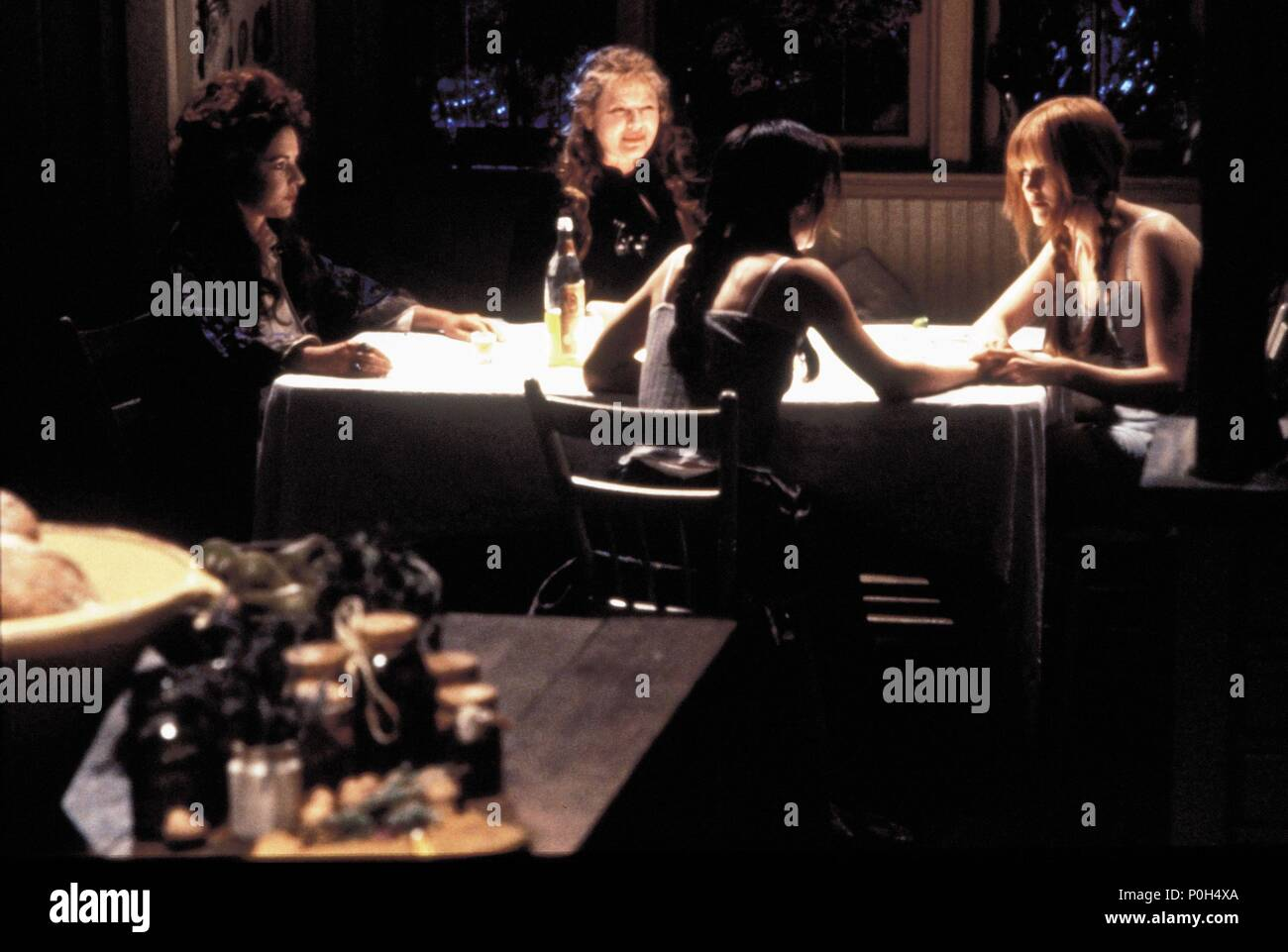 Original Film Title: PRACTICAL MAGIC.  English Title: PRACTICAL MAGIC.  Film Director: GRIFFIN DUNNE.  Year: 1998.  Stars: STOCKARD CHANNING; NICOLE KIDMAN; SANDRA BULLOCK; DIANNE WIEST. Credit: WARNER BROTHERS / TENNER, SUZANNE / Album - Stock Image