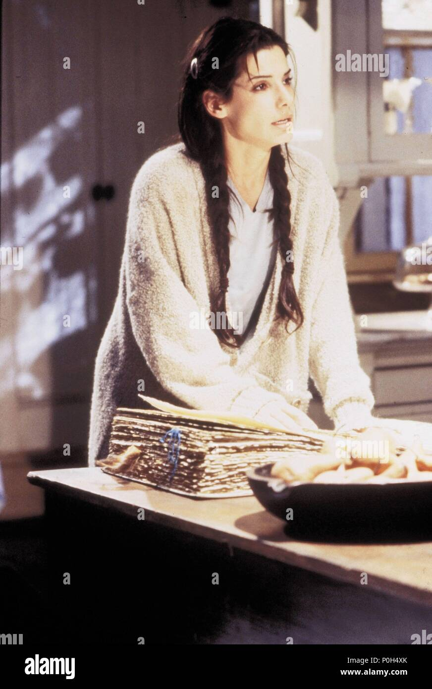 Original Film Title: PRACTICAL MAGIC.  English Title: PRACTICAL MAGIC.  Film Director: GRIFFIN DUNNE.  Year: 1998.  Stars: SANDRA BULLOCK. Credit: WARNER BROTHERS / TENNER, SUZANNE / Album - Stock Image