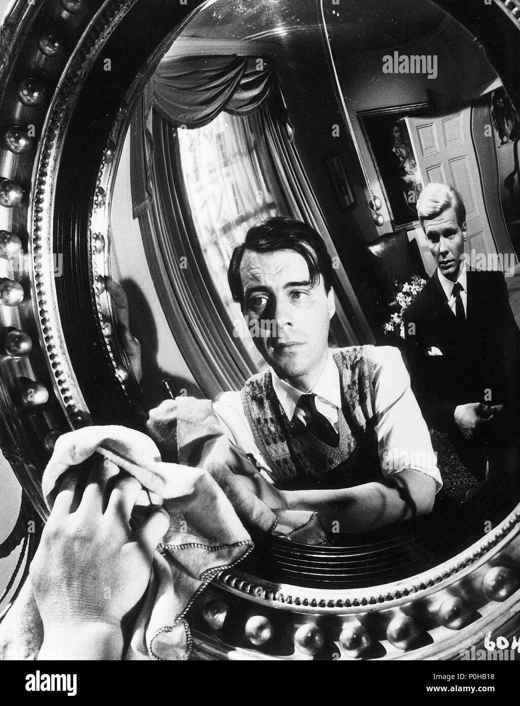 Original Film Title: THE SERVANT.  English Title: THE SERVANT.  Film Director: JOSEPH LOSEY.  Year: 1963.  Stars: DIRK BOGARDE; JAMES FOX. Credit: ASSOCIATED BRITISH PICTURES / Album - Stock Image