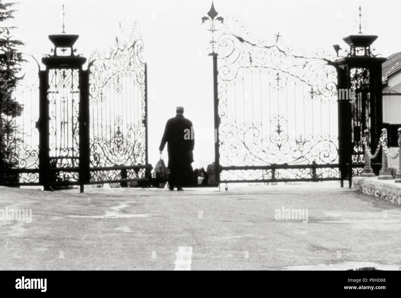 English Title A TASTE OF CHERRY Film Director ABBAS KIAROSTAMI Year 1997 Stars HOMAYOUN ERSHAD