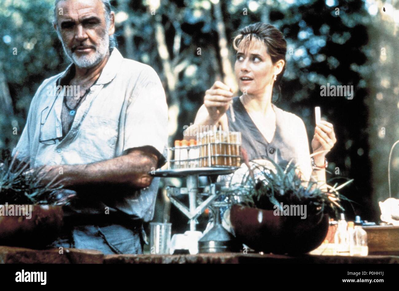 original-film-title-medicine-man-english-title-medicine-man-film-director-john-mctiernan-year-1992-stars-sean-connery-lorraine-bracco-credit-cinergicolumbiatri-star-album-P0HH1J.jpg