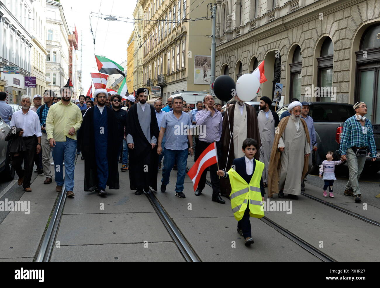 Vienna, Austria. May 9, 2018. Demonstration Support for democracy and freedom efforts of the Palestinian people. The demonstration takes place on the 'Al-Quds-Day'. Credit: Franz Perc / Alamy Live News - Stock Image