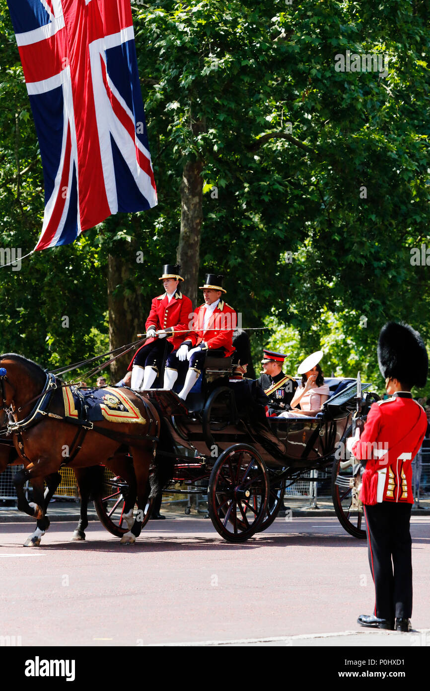 London, UK, June 2018. Prince Harry, Duke of Sussex, and Meghan, Duchess of Sussex, seat on the Royal Coach at Queen's Birthday Parade on June 9, 2018 in London, UK. Credit: SUNG KUK KIM/Alamy Live News Stock Photo
