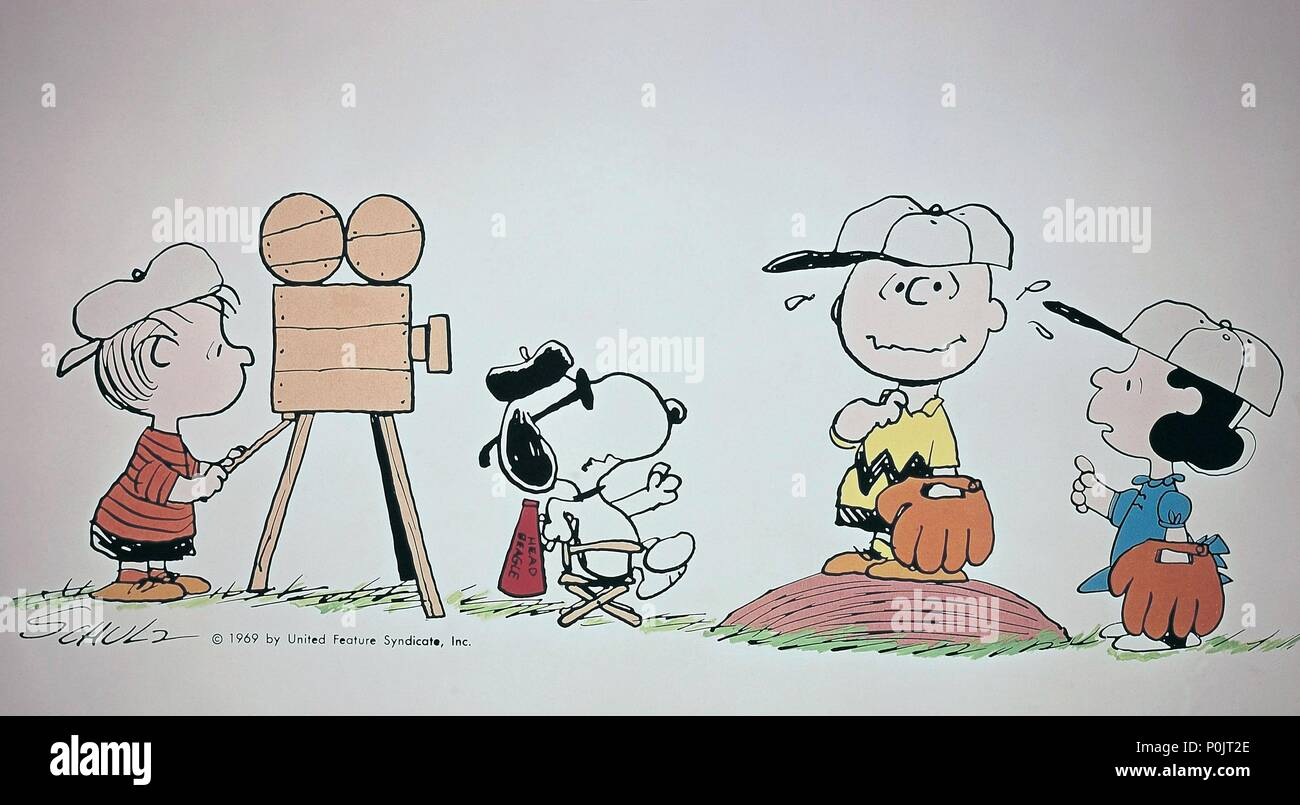 Charlie Brown Snoopy Stock Photos & Charlie Brown Snoopy Stock ...