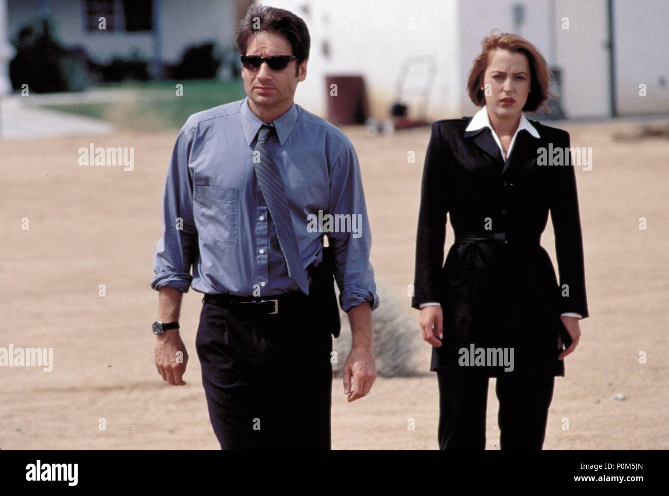 Original Film Title: X-FILES, THE.  English Title: X-FILES, THE.  Film Director: ROB BOWMAN.  Year: 1998.  Stars: DAVID DUCHOVNY; GILLIAN ANDERSON. Credit: 20TH CENTURY FOX / Album - Stock Image