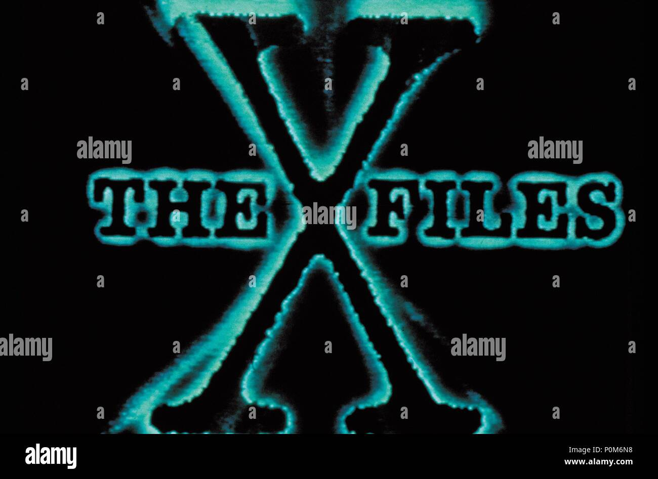 Original Film Title: THE X FILES.  English Title: THE X FILES.  Film Director: CHRIS CARTER; ROB BOWMAN; DAVID NUTTER.  Year: 1993. Credit: FOX FILMS / Album - Stock Image